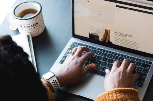 use squarespace to monetize